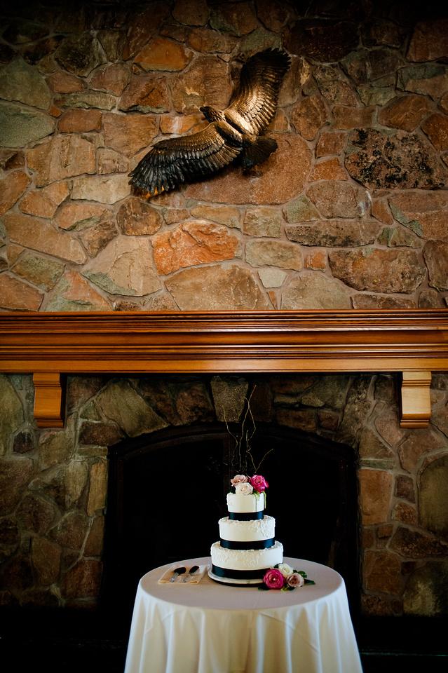 Snowbasin Wedding Inspiration-Wedding cake under the eagle.