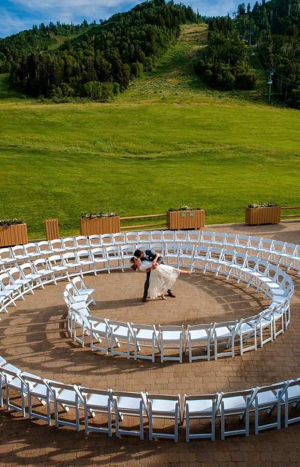 Snowbasin Wedding Inspiration-Green mountain circle wedding at Snowbasin